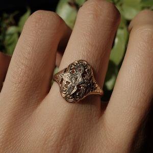 Antique vintage art deco diamond gold ring